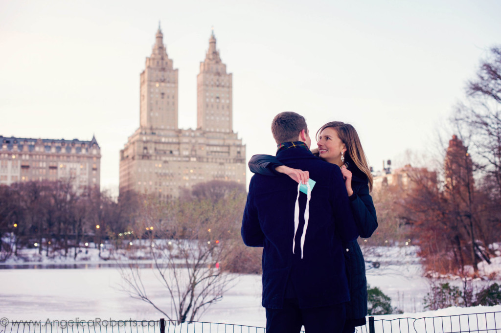 350_1nyc_engagement_photography__central_park__snow_68