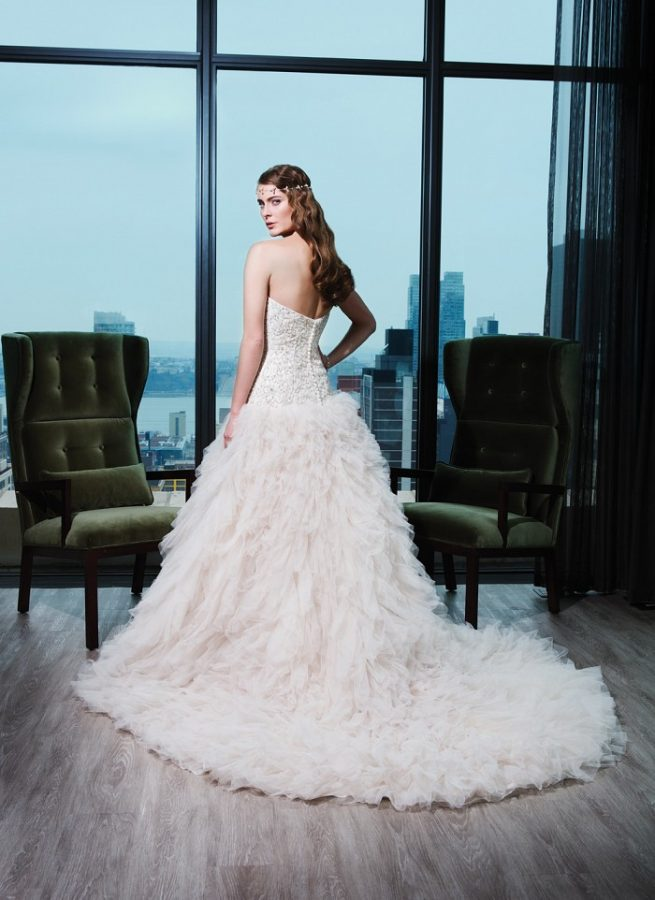 luxurious wedding gown by Justin Alexander. Tampa bridal shop, Pea to Tree Events, Orlando, Tampa, Miami Florida