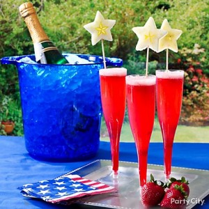 July Fourth Wedding, July fourth wedding cake, July fourth party drink.  July 4th food, blue and red wedding