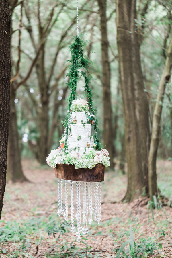 Ruffled Blog Wedding Planner, Tampa wedding planner, Rising Lotus Photography, Tampa wedding cake, Hanging cake