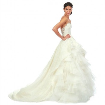Fashionable Friday! Dedicated to Oscar de la Renta (Wedding Planners, Tampa FL)